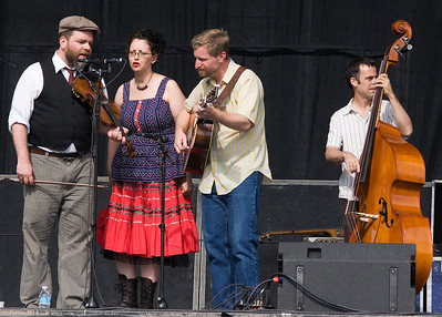 After Lickin' Good Fried came the Good Right Arm String Band. L-R: Tony Allen, Kristine Schmitt, Chris Coole, Sam Petite.