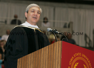 Graham B. Spanier provides words of wisdom to the members of the 2006 summer graduating class during the 2006 Summer Graduation Commencement held in Hilton Coliseum on Saturday, August 05, 2006.