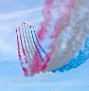 Red-arrows-arrival-2