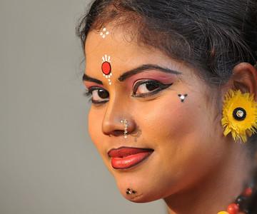Nandita Tripathy performed the Orissa State's Sambhalpuri dance. Different artists at Suraj Kund Mela 2008, Haryana, North India. The Suraj Kund Mela is an annual fair held near Delhi. Folk dances, handicrafts and a lot of fun.