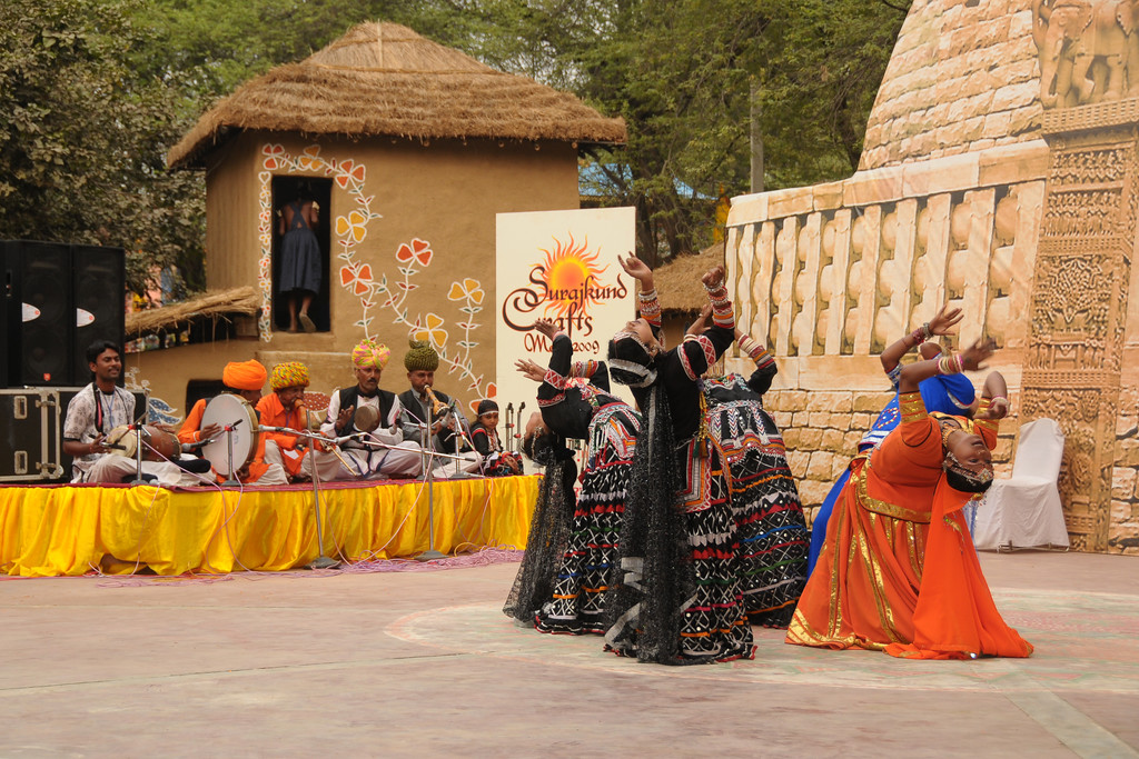 Dance and music performance by artists from Rajki-Puran Nath Sapera & Party, Jaipur at the Suraj Kund Mela 2009 held in Haryana (outskirts of Delhi), North India. The Suraj Kund Mela is an annual fair held near Delhi. Folk dances, handicrafts and a lot of fun.