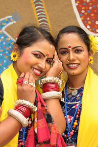 Smt. Sumitra Singh & Smt. Sarita Mahanty from Dayal Sangeet Academy, Rasulgarh, Bhubaneshwar, Orissa. This girl artist performed the Odissi Classical dance and Sambalpuri Folk dance at the Surajkund Crafts Mela 2009, Haryana, North India.