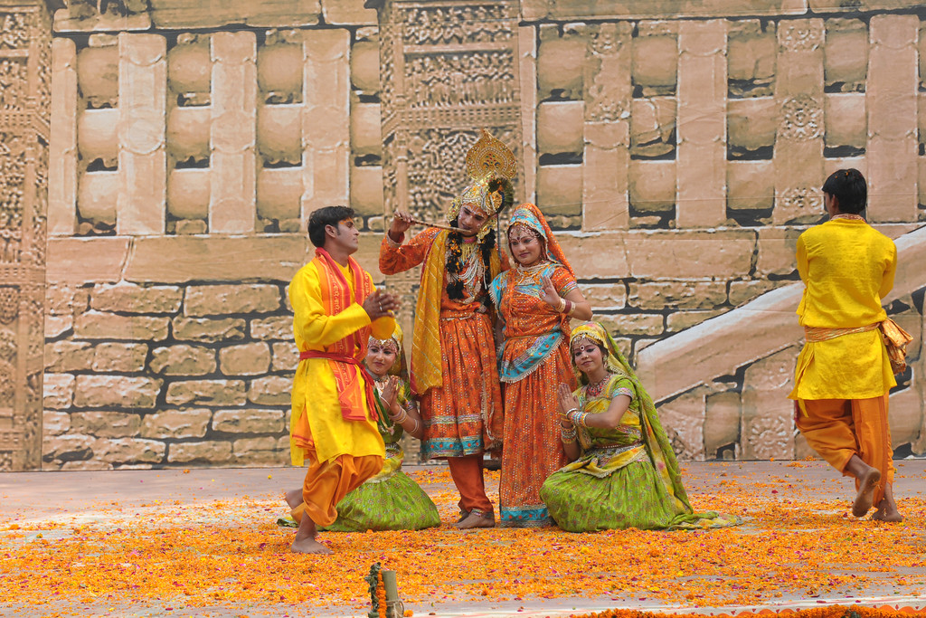 Dancers from Mathura perform the Birj Ki Holi (Raas Leela) of Bhagwan Krishna and Radha at the open theatre called Chaupal at Suraj Kund Mela 2009. Held in Haryana (outskirts of Delhi), North India the Suraj Kund Mela is an annual fair held near Delhi. Folk dances, handicrafts and a lot of fun.