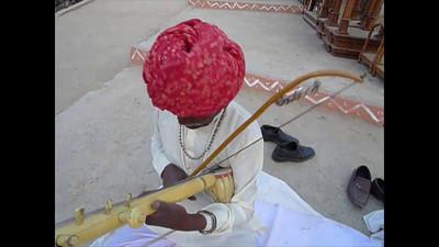 Short audio-video clip of Tayab Khan, Bhapan Group from Alwar, Rajasthan at Surajkund Mela 2010, Haryana (near New Delhi), February, 2010