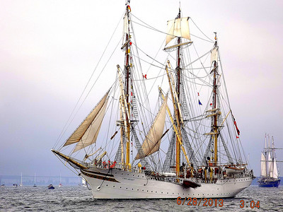 TALL SHIPS on Lake Ontario July 1,2013