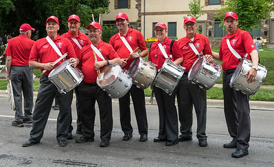 There was a long pause in the parade, plenty of time for a group shot of the Snares