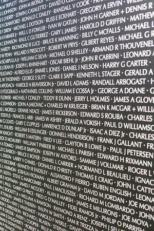 """ THE WALL "" AMERICAN VETERANS TRAVELING TRIBUTE NEVER FORGET FRIDAY 5-28-2010"
