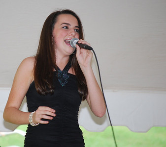 Bailey Birge singing.
