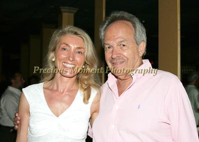 Suzanne Stoll,Earl Hollis