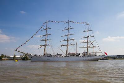 1982 - Dar Mlodziezy - Full Rigged Ship (Poland)