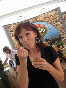 Marilu Henner trying out our Panzanella (Tuscan Bread Salad) with Carapelli Organic Olive Oil