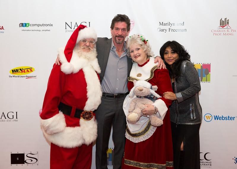 5D3_0977 Santa Claus, Dave Crespo, Mrs  Claus and Jenny Casteliano