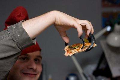 Pizza claws.