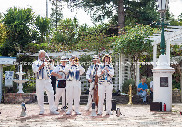 Traditional jazz band perform