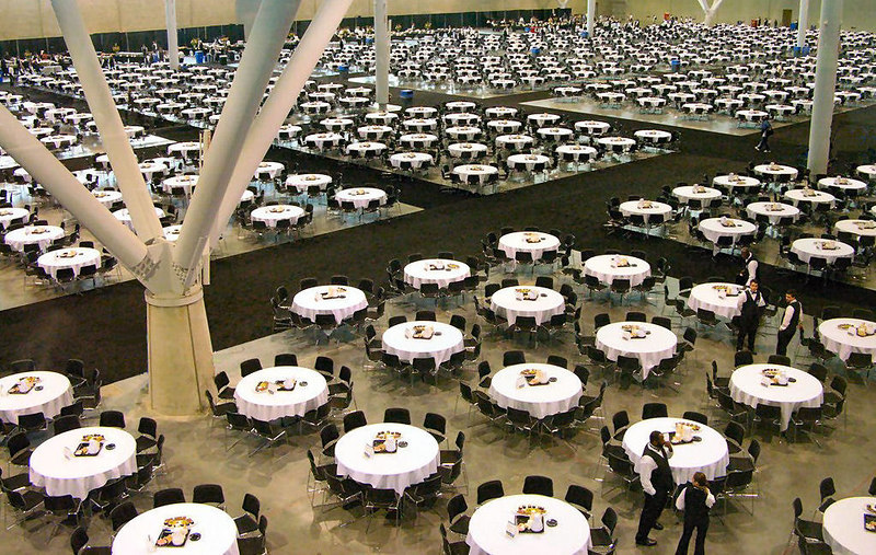 Tables to infinity. Have to give credit to the organization and logistics from Microsoft and the Company they hired. It is not easy to move and feed 12,000 attendees!