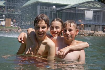 Terma di Cola - boys pool party!