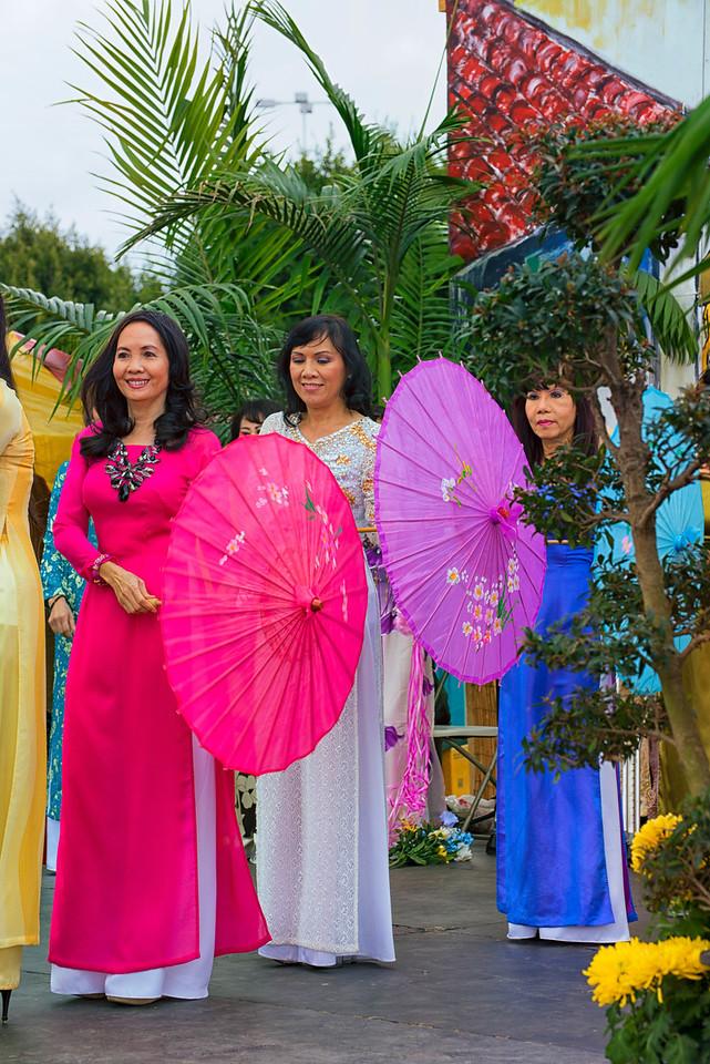 Ao Dai Umbrellas2