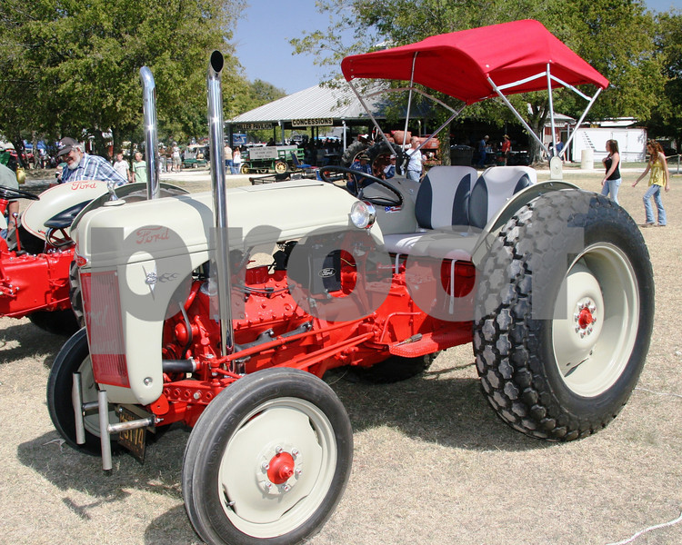 Ford tractor ? N series with Flathead V8.