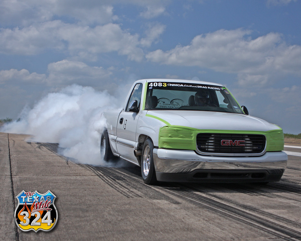 Flaco heats up his tires before setting the official Mile truck record of 199.7 MPH.<br /> May 2011 <br /> (From the March 2011 event)