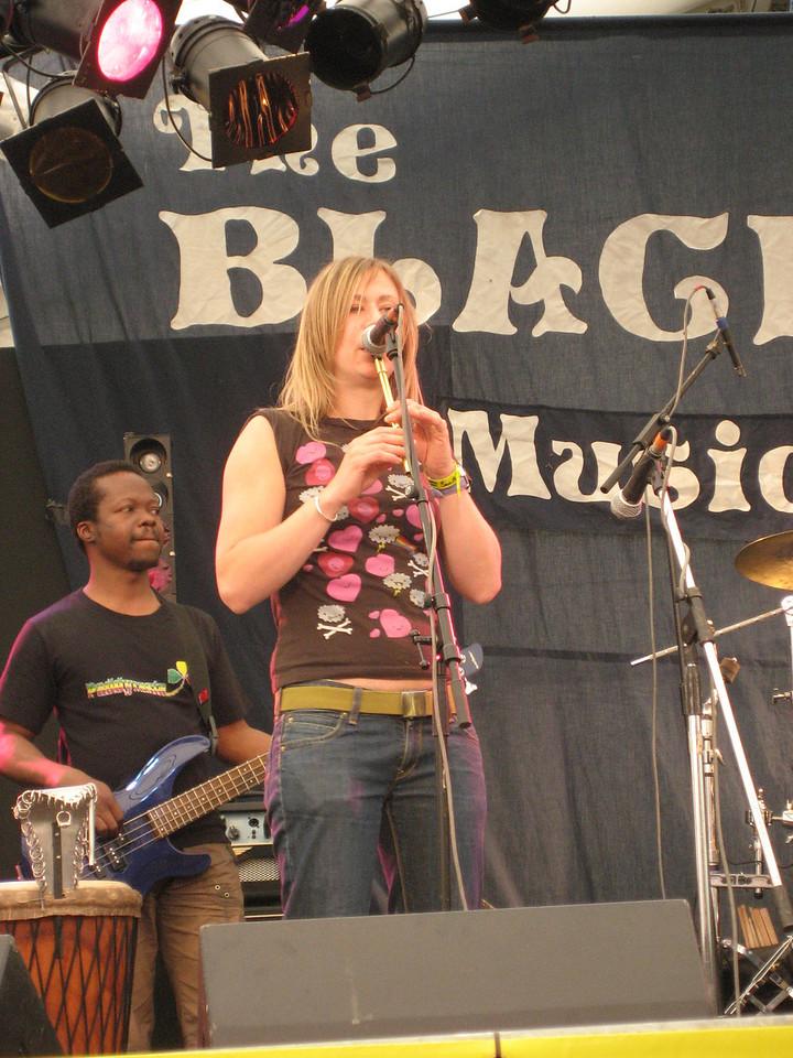 Sara Reith (tin whistle, fiddle)