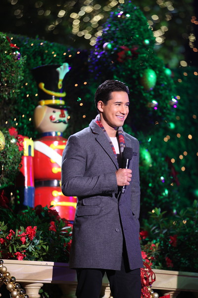 Michelle Kwan Co-MC's at The Grove's 2011 Christmas Tree Lighting Ceremony