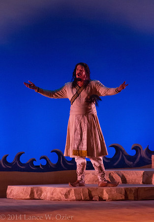 Sean Anderson, baritone, as Zurga.