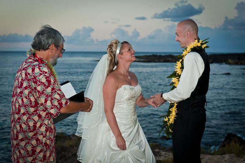 James and Erica Hawaiian Wedding (55 of 173).jpg