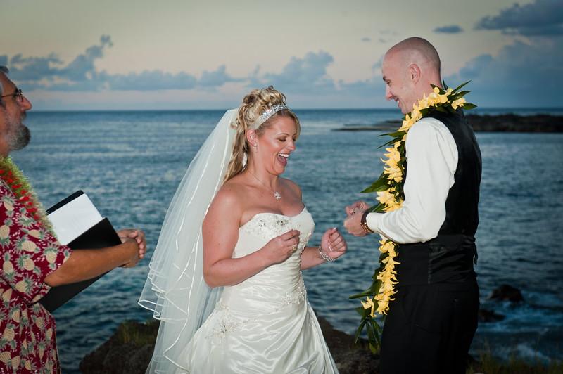 James and Erica Hawaiian Wedding (50 of 173).jpg
