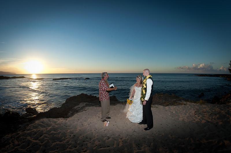 James and Erica Hawaiian Wedding (139 of 173).jpg