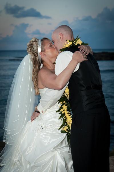 James and Erica Hawaiian Wedding (61 of 173).jpg