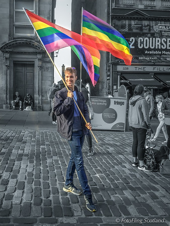 "Blair Gibson promotes ""Zanna, Don't"" on Royal Mile Edinburgh"