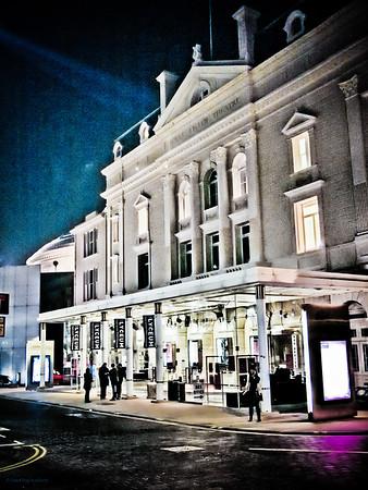 Royal Lyceum Theatre, Edinburgh at night