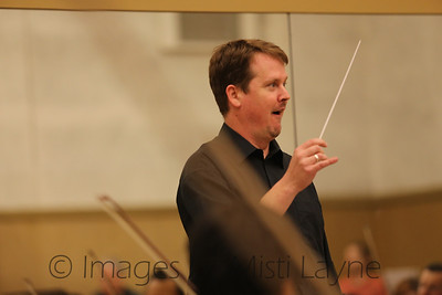 Thomas-Alexander-Conducting_015