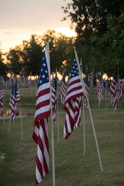 16 05-28 Riverwalk flags 0051