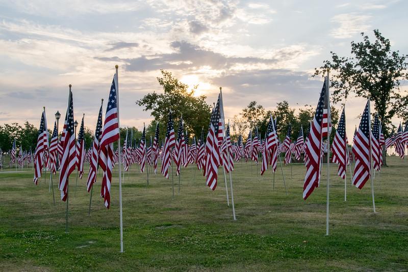 16 05-28 Riverwalk flags 0033
