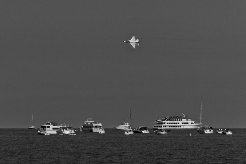 USAF Thunderbirds at the Chicago lakefront