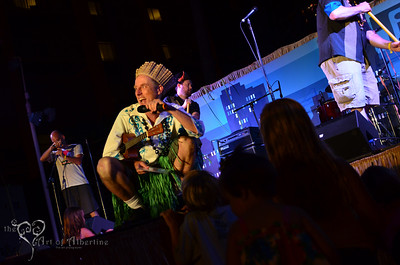 King Kukulele MCing on the main stage at Tiki Oasis
