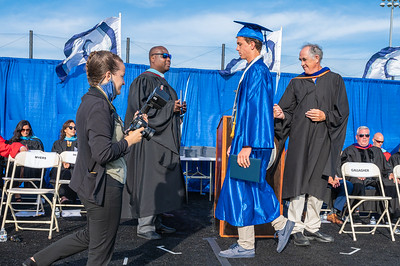 20210625-LBHS Graduation 2021Z62_2174
