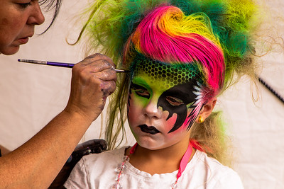 """Kromatik - Extreme Makeup"""
