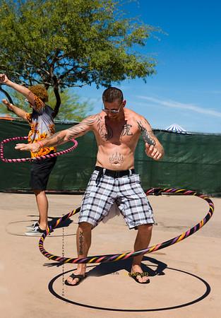 Muscle guy_hula hoop Tour de fat_3259