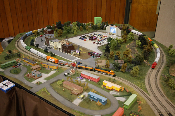 A functioning drive-in theatre in N Scale.