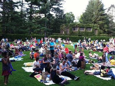Audience just after 5pm, as the Florence Community Band was playing.