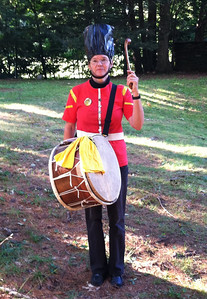 1 tupan (Balkan drum)      and two more traditional drummers (see photo from rehearsal the day before)