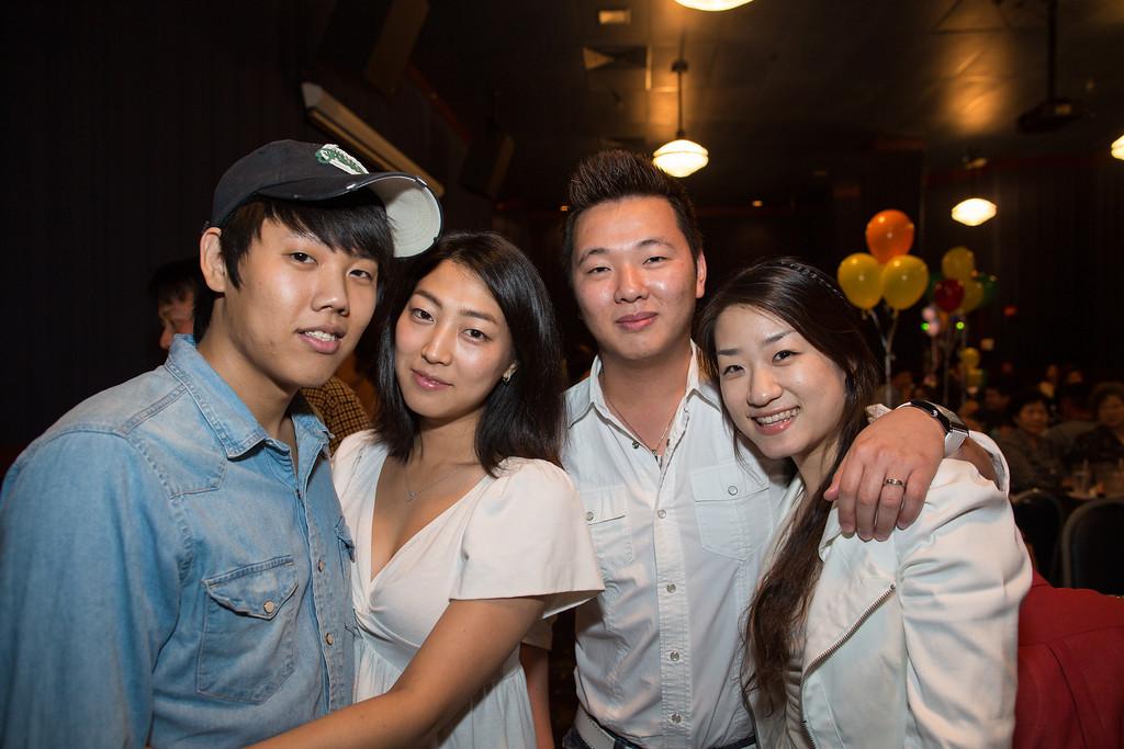 IMAGE: http://www.joonrhee.com/Events/Travis-1st-Birthday-982012/i-bM6mZ5N/0/XL/AG9A0506-L.jpg