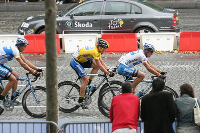 Armstrong racing his last race as a professional cyclist.
