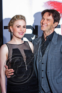 "HOLLYWOOD, CA - MAY 30:  Actors Anna Paquin (L) and Stephen Moyer attend HBO's ""True Blood"" Season 5 Los Angeles premiere at ArcLight Cinemas Cinerama Dome on May 30, 2012 in Hollywood, California.  (Photo by Chelsea Lauren/WireImage)"