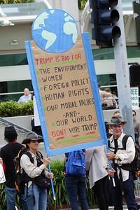 Trump2016SanDiegoPD0019