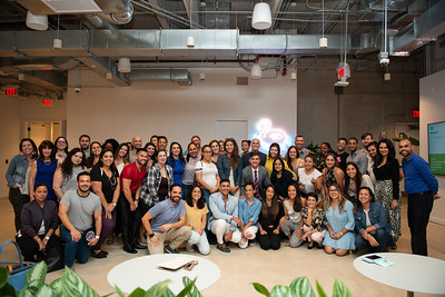Tuesdays Together Miami Vendors: ⠀⠀⠀⠀⠀⠀⠀⠀⠀ Venue Host: @wework Donuts: @thesaltydonut Speakers: @rodristudio @amandaxpaz Planning: @haloeventdesign Photographer: @anagarciaphoto @ericamelissa_  And @dippphotobooth with the group shot with Ana