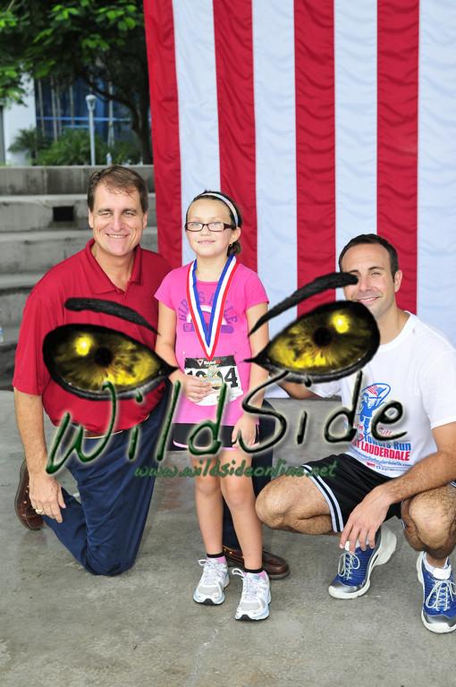 2011TUNNEL_7283JAC JACK FLAG MAYOR JEFF LOST KIDS AWARDS