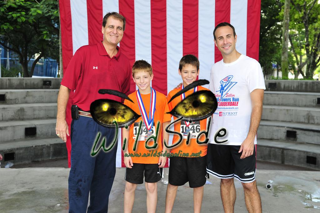 2011TUNNEL_7286JAC JACK FLAG MAYOR JEFF LOST 1046 1045 AWARDS